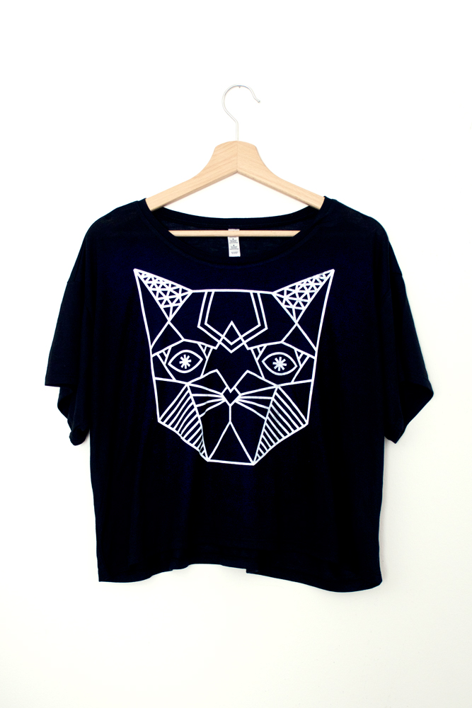 SIGH-shirt-female-discocat-1.jpg